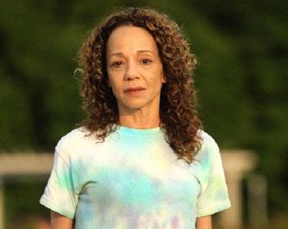 Alison-Carey-soeur-de-Mariah-Carey-People-Folie