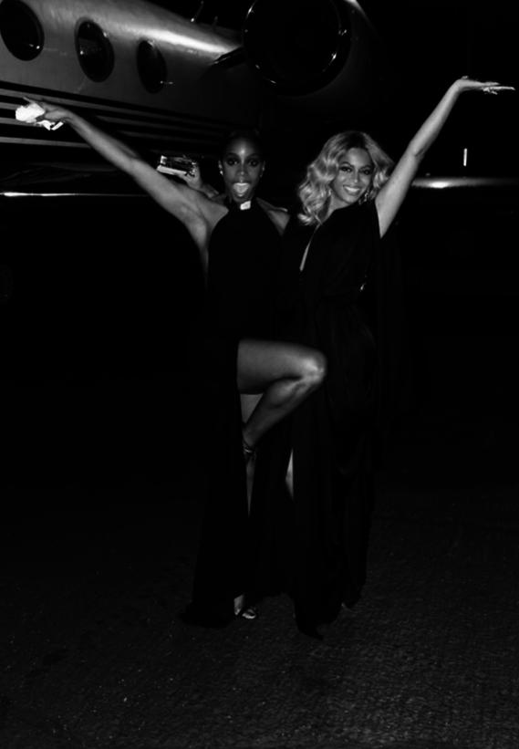 Beyonce-et-Kelly-Rowland-a-Las-Vegas_portrait_w674 (1)