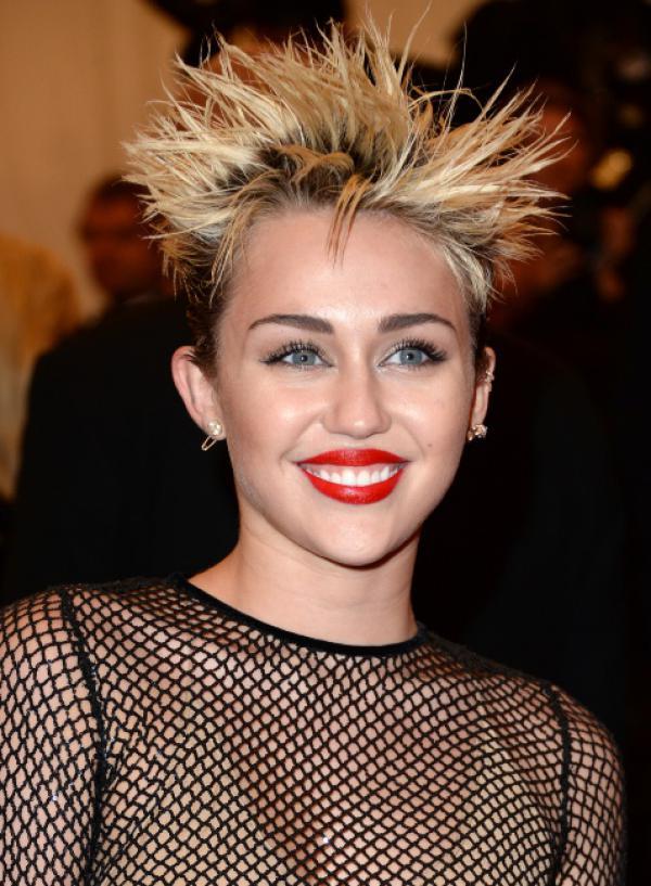 miley cyrus-coiffure