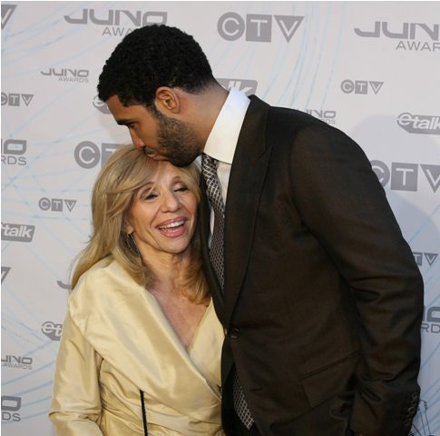 Stars arrive at the 2011 Juno Awards in Toronto