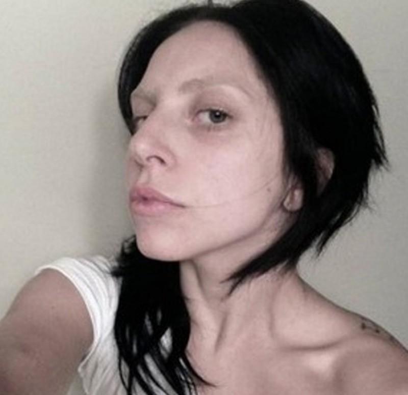 lady gaga-selfie