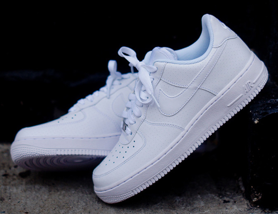 nike-air-force-1-low-white-microperf-3