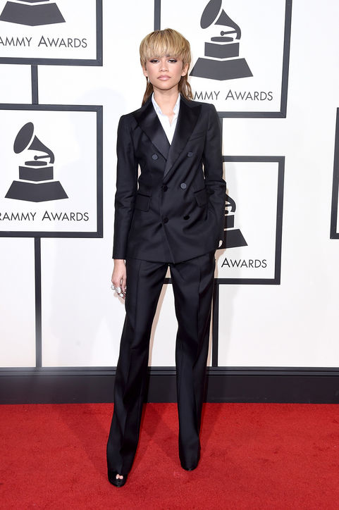 zendaya-black-tuxedo-grammys-2016-red-carpet-h724