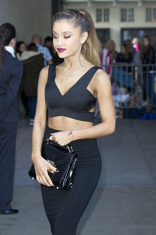 Ariana-Grande (1)