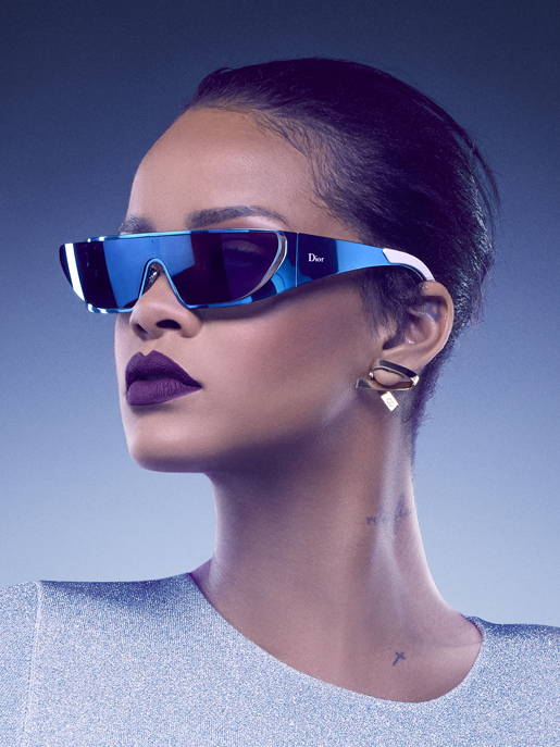 24a7985f7baef3 ... rihanna x dior   une collection exclusive de lunettes de soleil  rihanna x dior une collection de lunettes de soleil ...