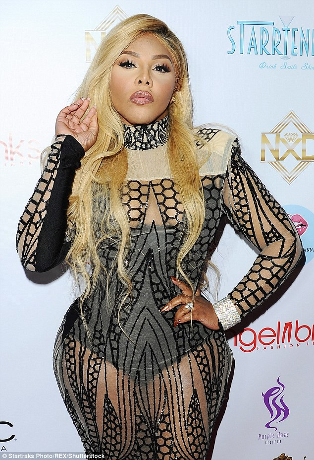 lil-kim-outfit