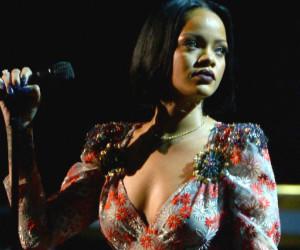 Rihanna : elle se produit devant un stade à moitié vide à Londres