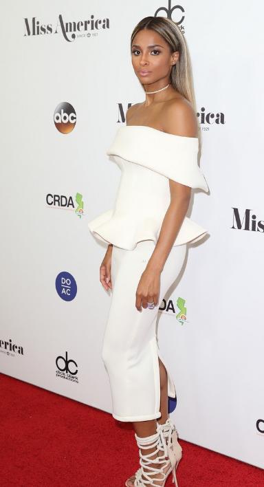 Ciara : est-elle encore enceinte ? (Photos)
