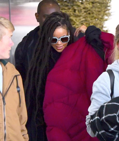 Rihanna: pour l'automne, elle passe aux dreadlocks (photos)