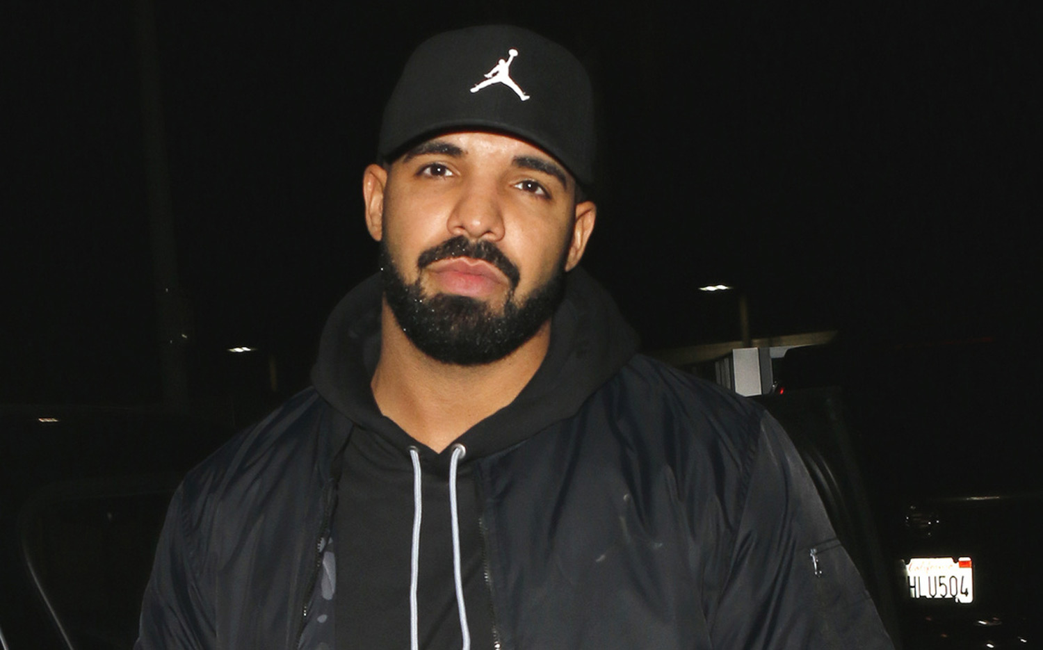 drake chat sites Drake took a break from the recording studio to stream some fortnite on twitch,  but instead joins via chat (using the discord chat service.