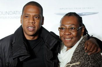 jay-z-gloria-carter-mom-lesbian-smile