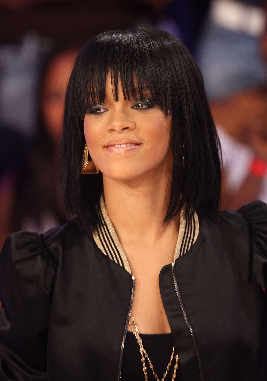 Coupe Carre Court Rihanna Coiffure De Mariage Populaire
